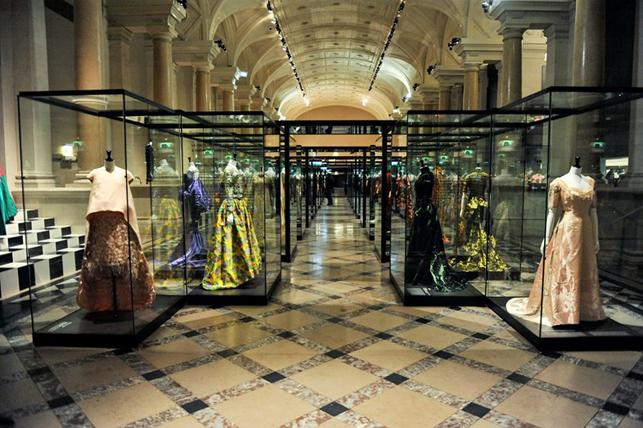 Paris-Haute-Couture-Hotel-de-Ville-Paris-Galliera-981
