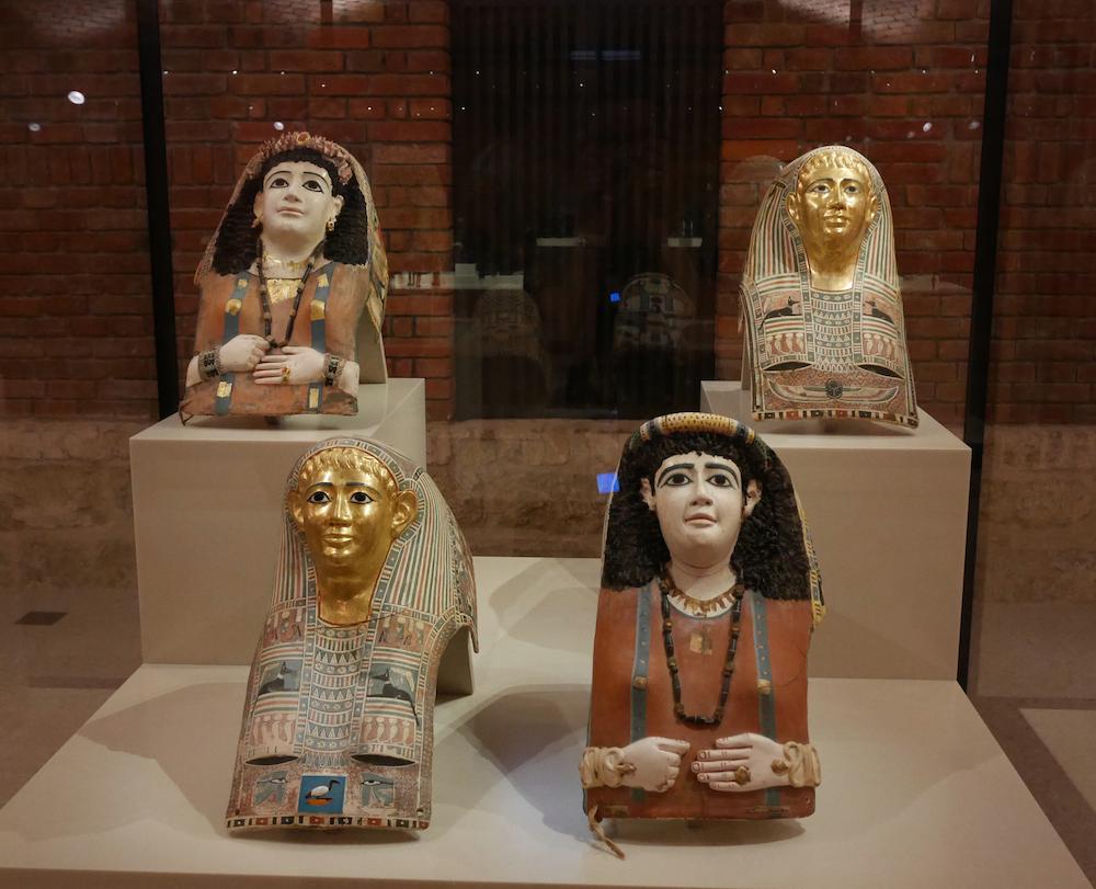 Quatre masques mortuaires