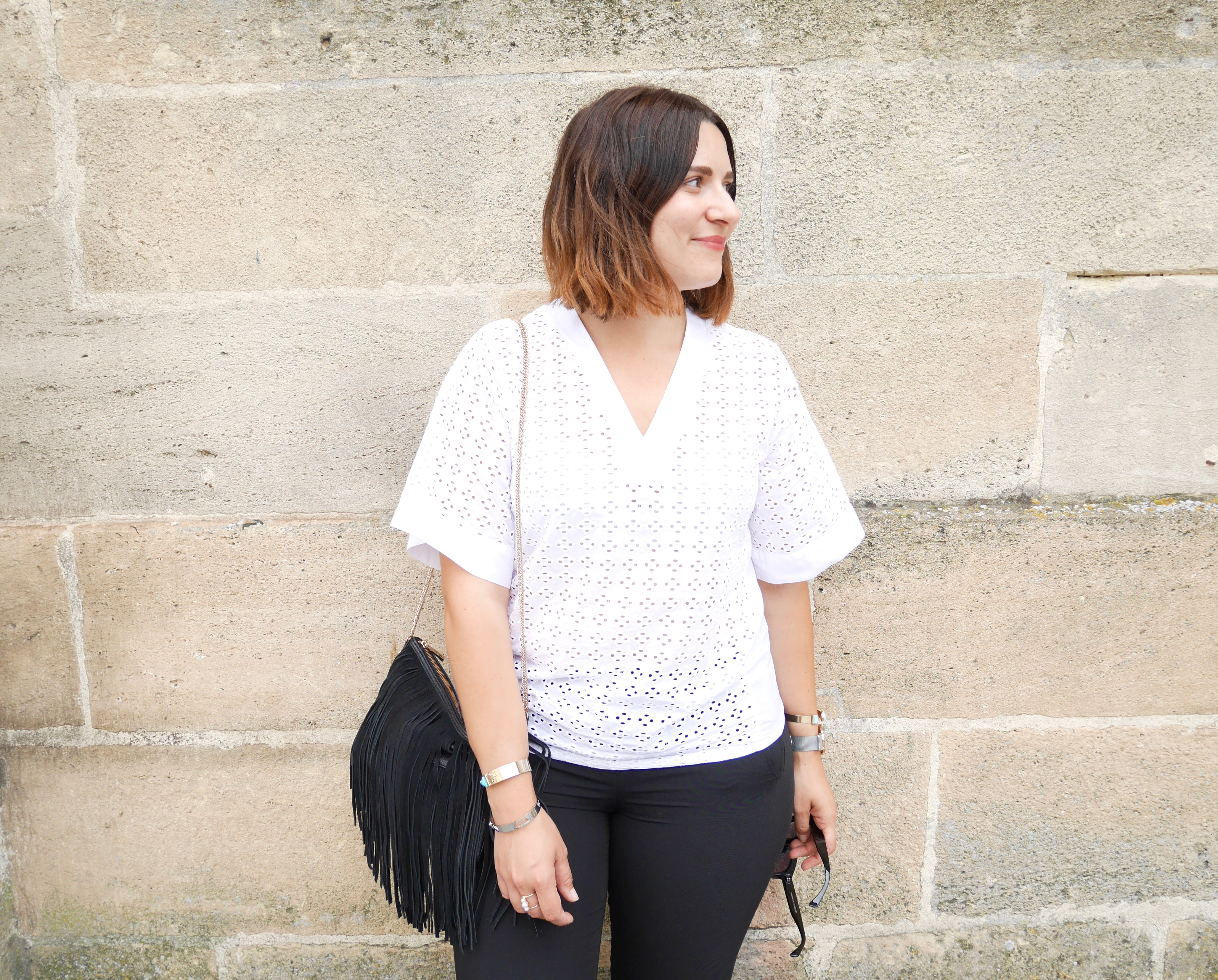look blouse dentelle anglaise
