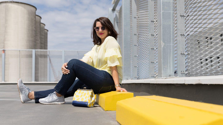 blouse à volants jaune soldes