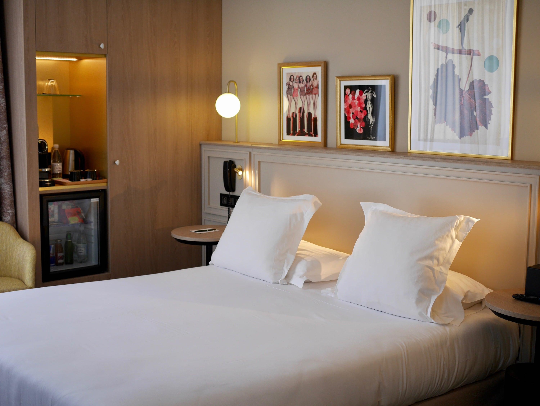 hotel paris 4 *