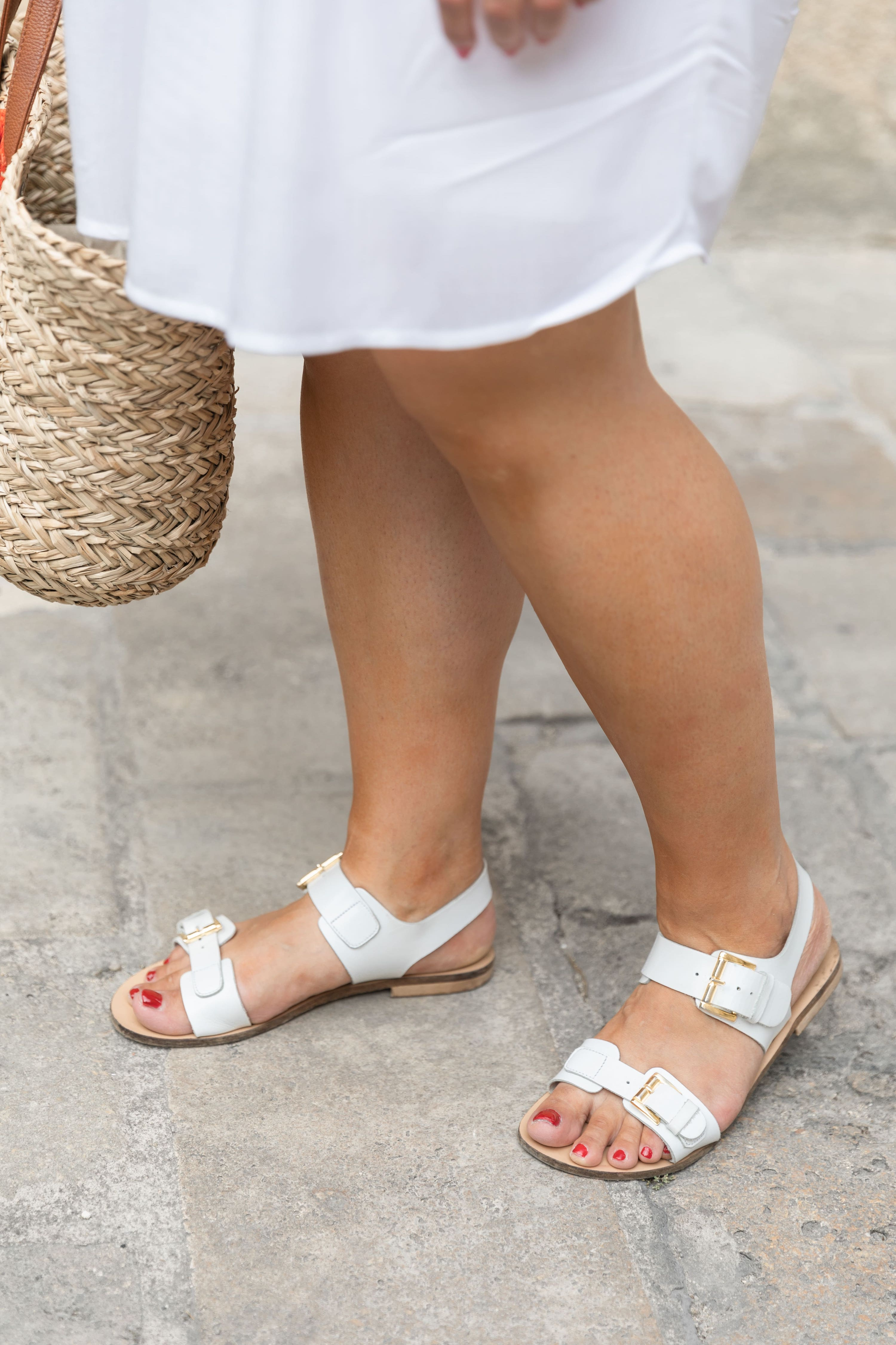 sandales blanches cuir