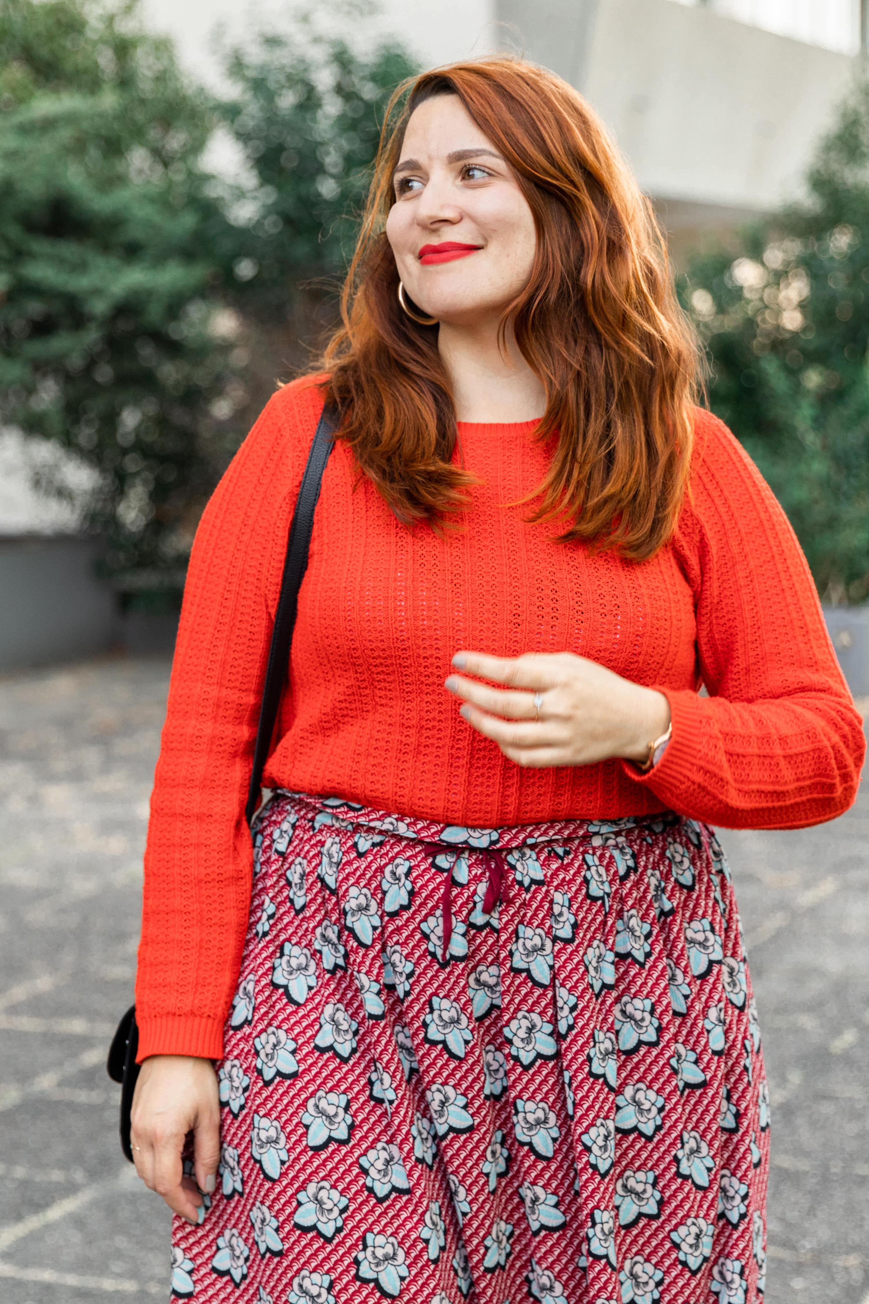 look-jupe-rouge-imprimée