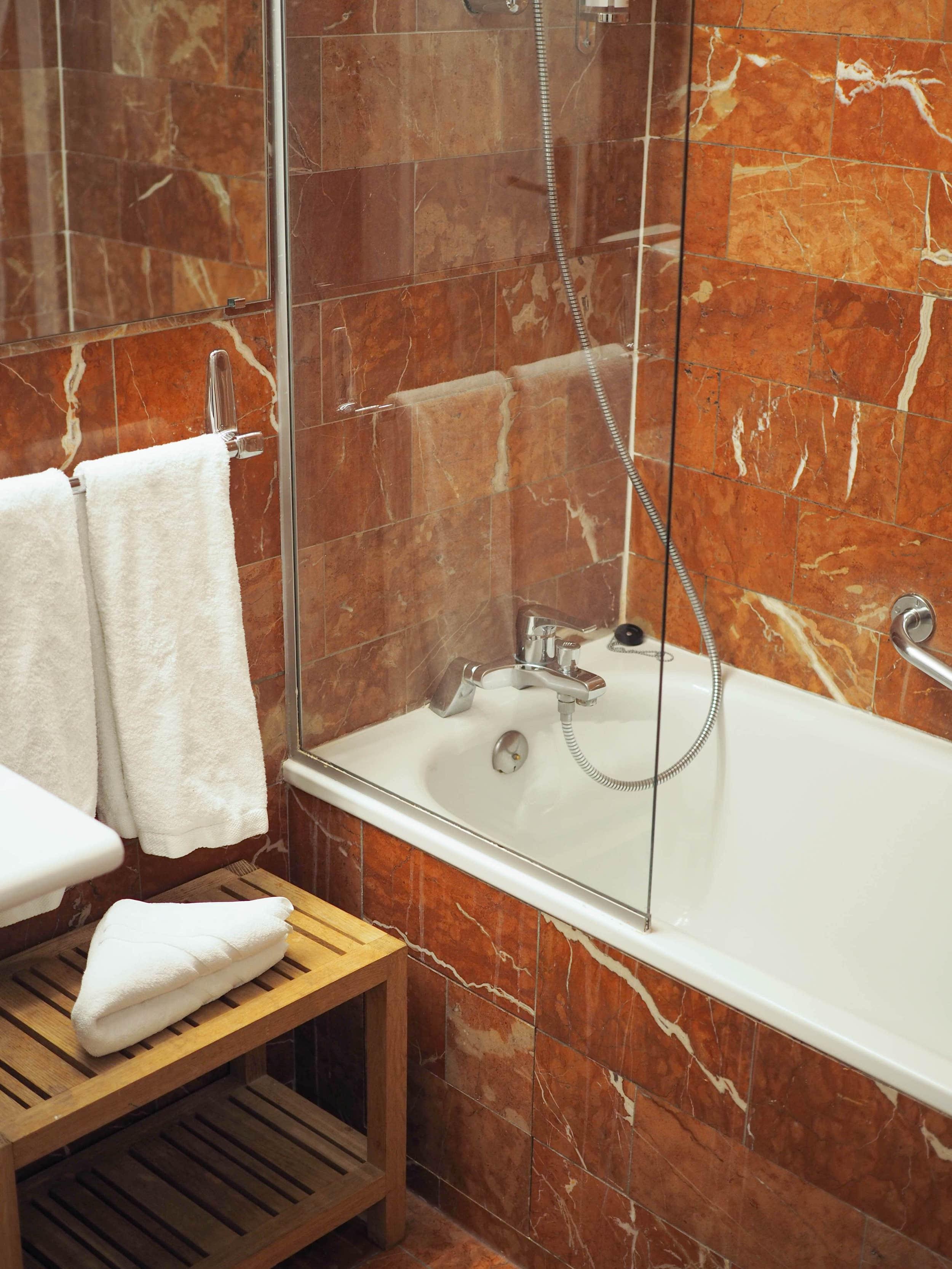 salle-de-bains-marbre