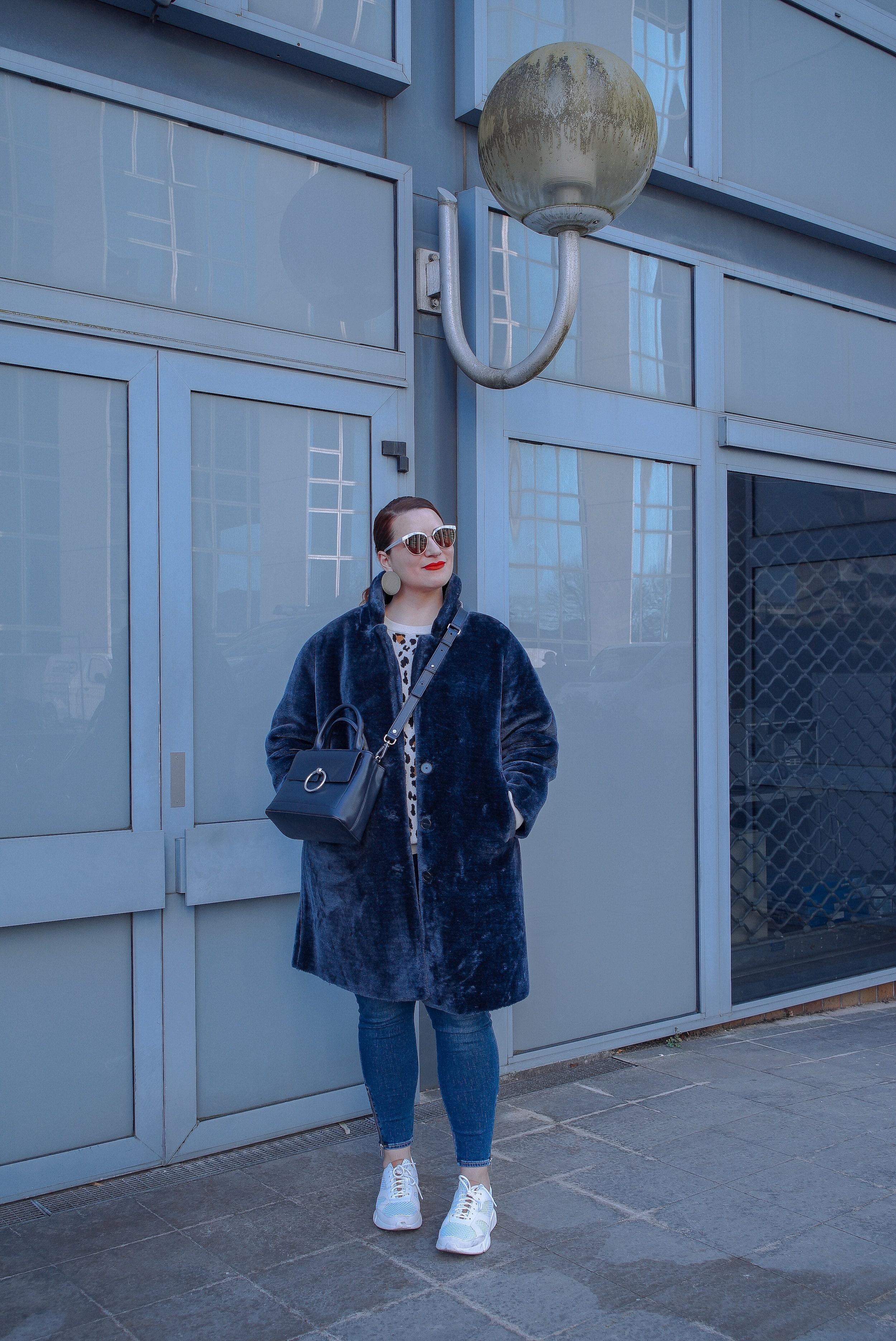 manteau-fourrure-bleu