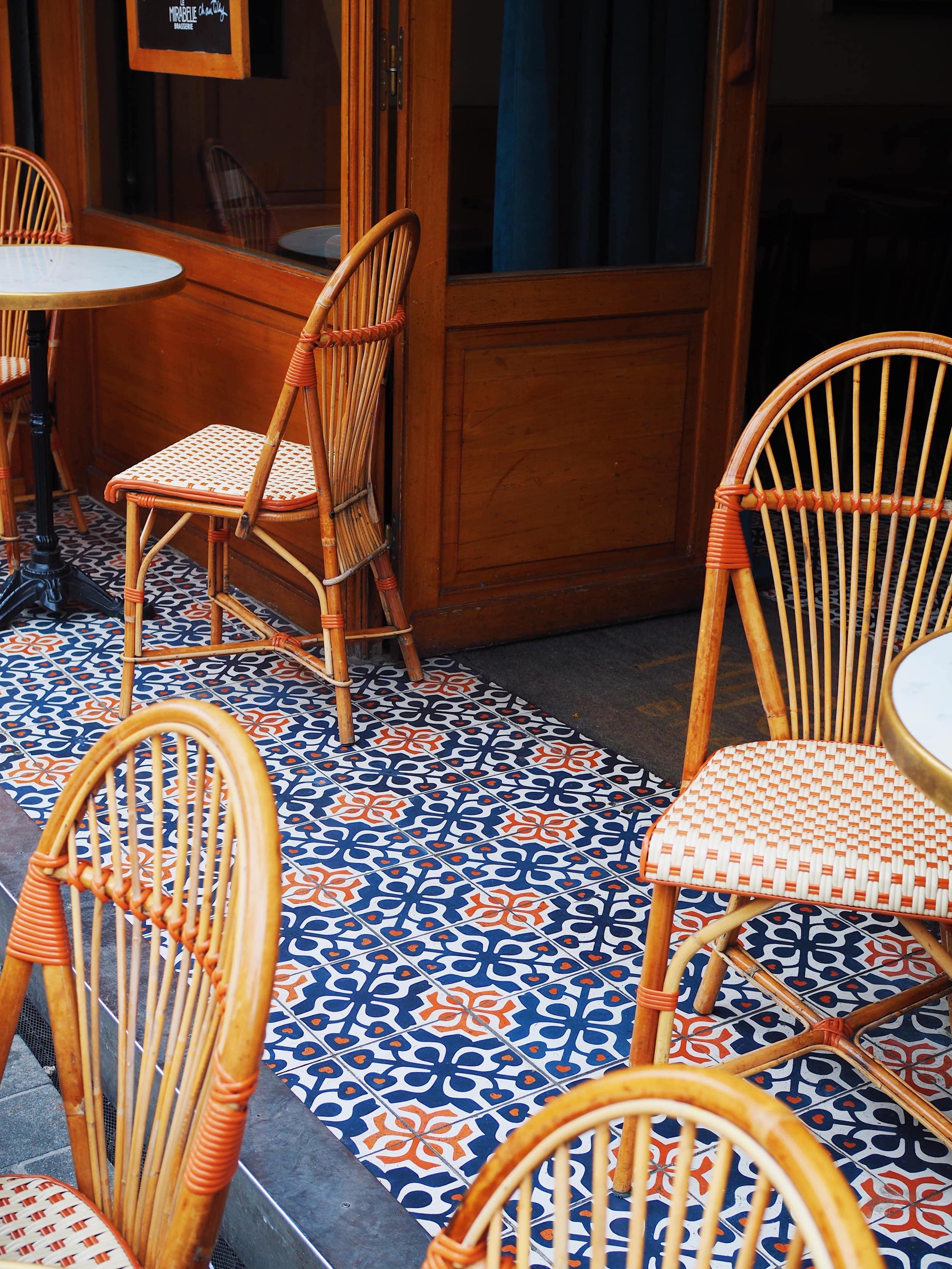 terrasse-café-parisien