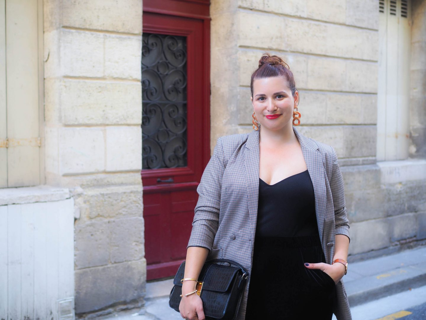 look-blazer-à-carreaux