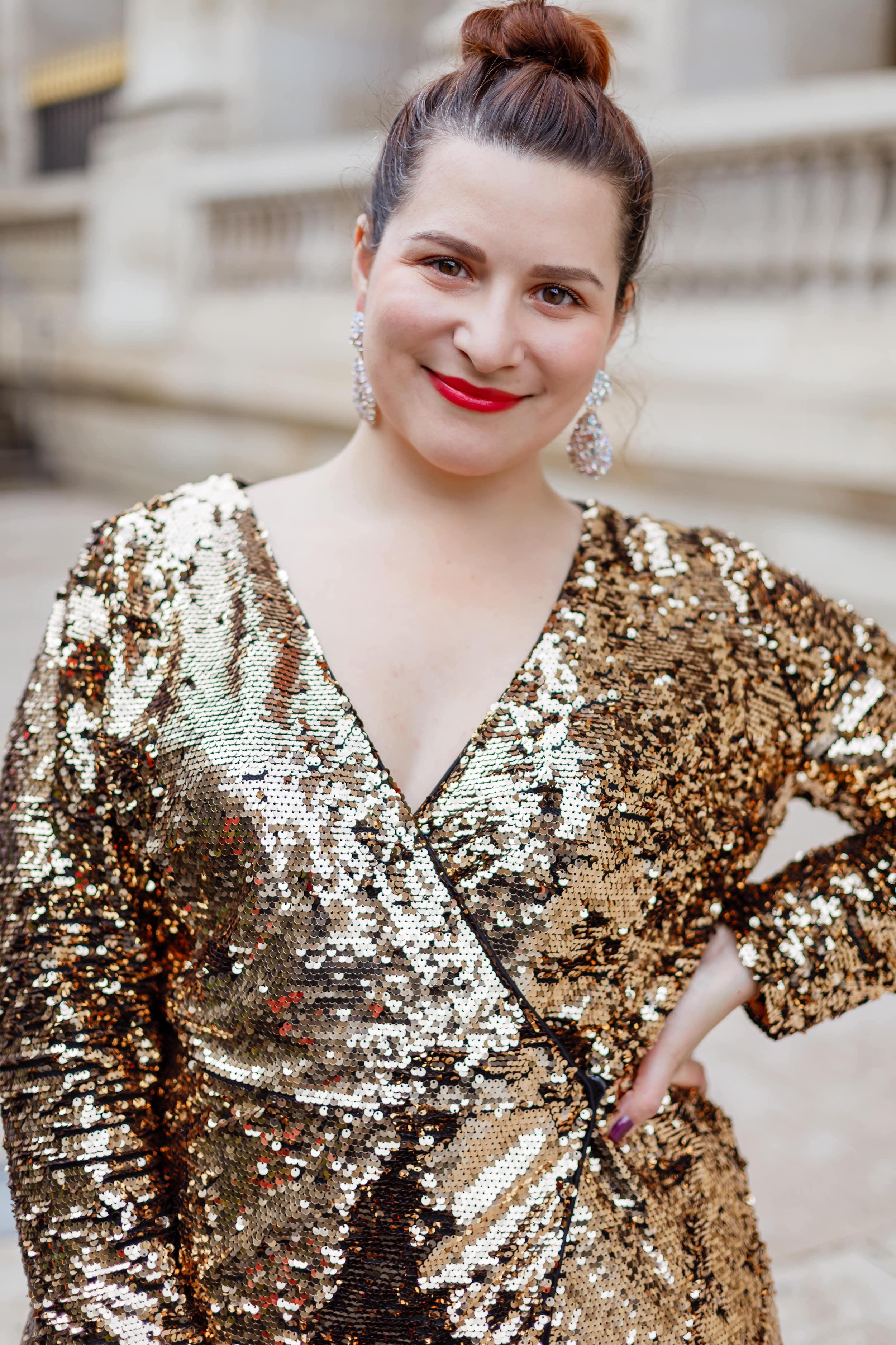 robe-à-sequins-dorés