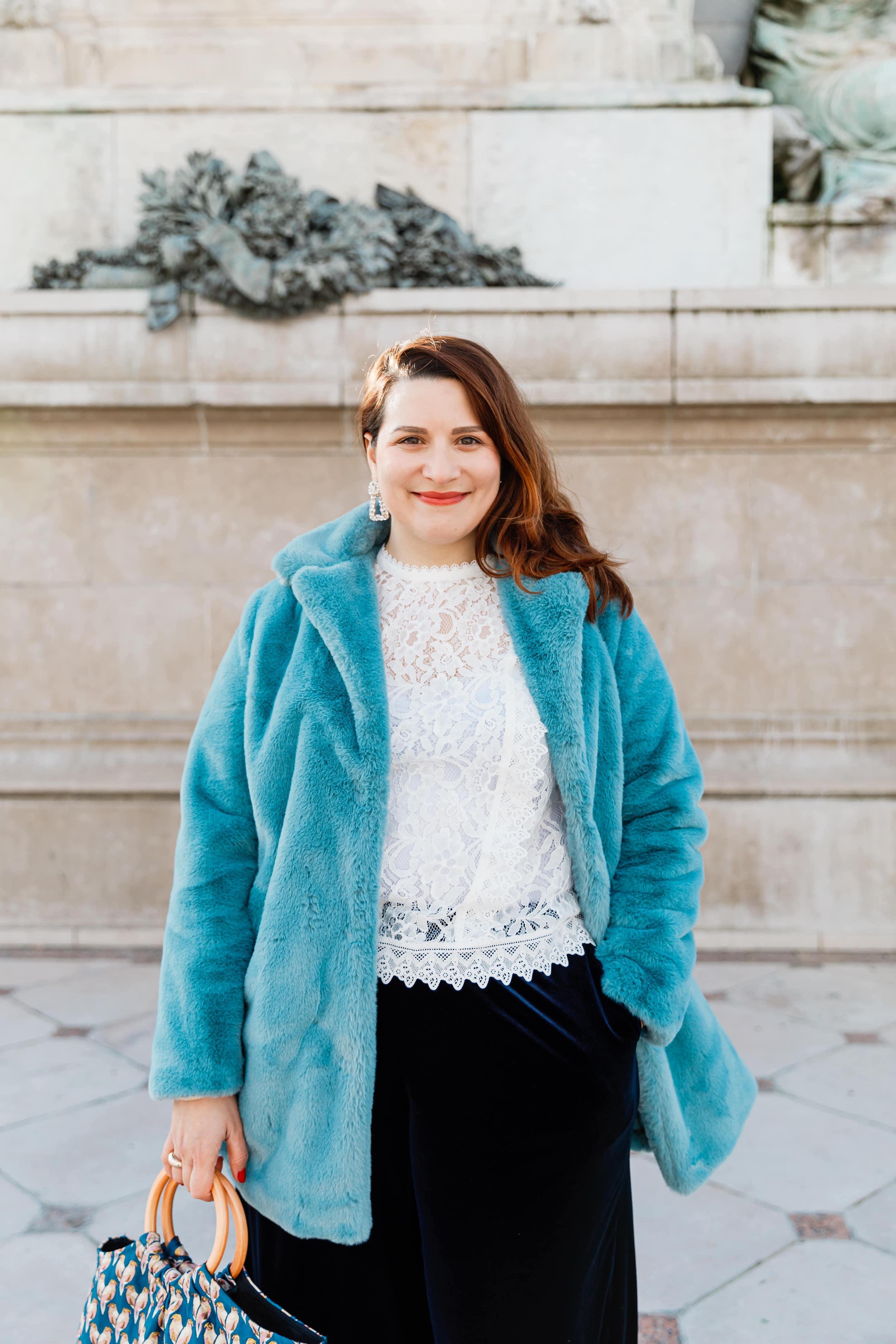 manteau-fourrure-bleue-soldes